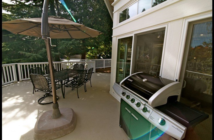 Large gas BBQ on the main level deck