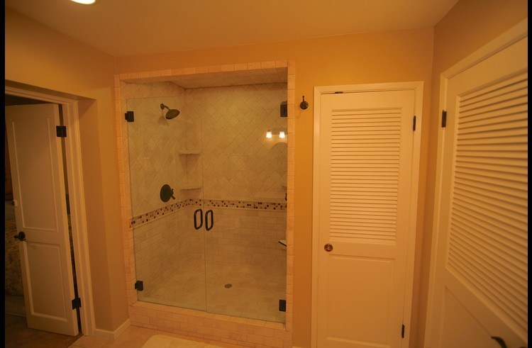 Large custom shower with dual showerheads