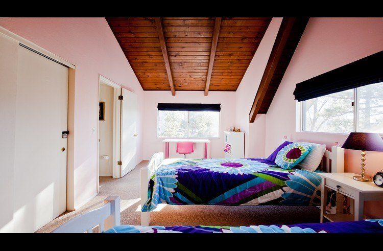 Guest room 2 on upper level with 2 twin beds