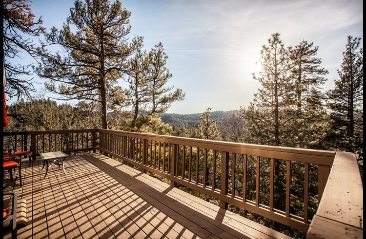 Large deck with panoramic views