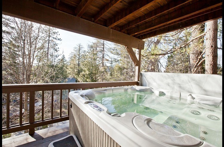 Hot tub on lower level deck