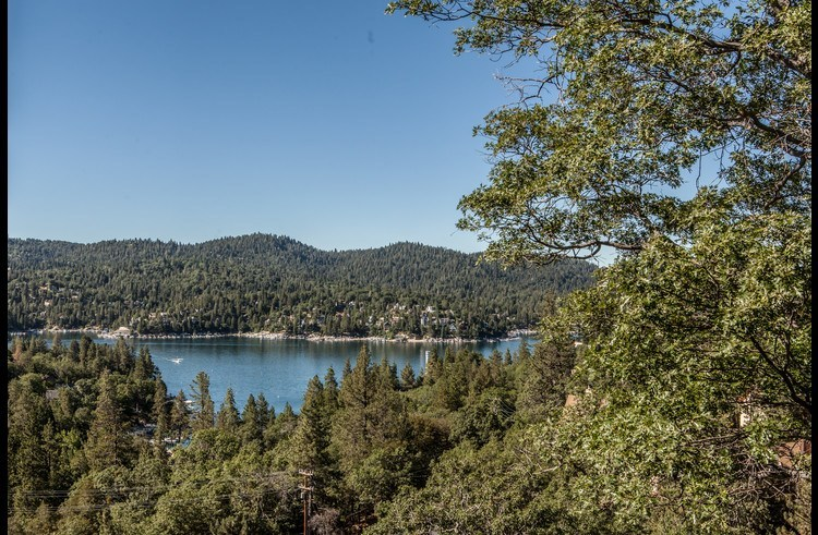 Great views of Lake Arrowhead from the deck!