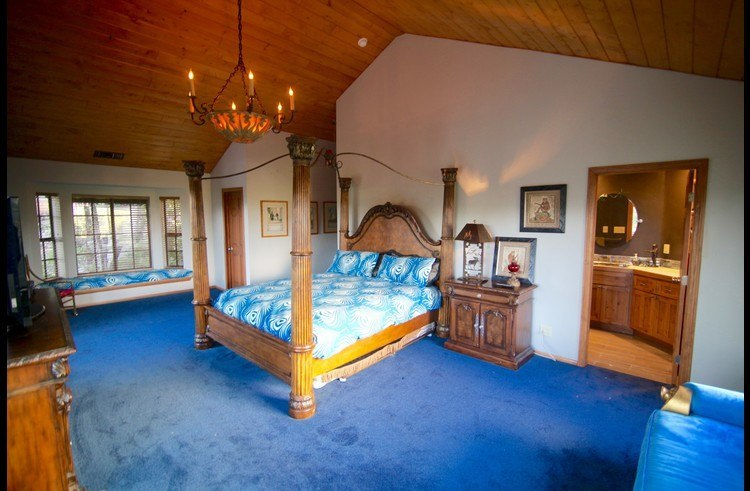 Large master suite with king size bed