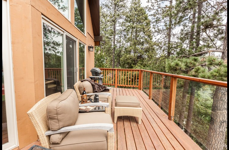 Deck with patio furniture and gas BBQ