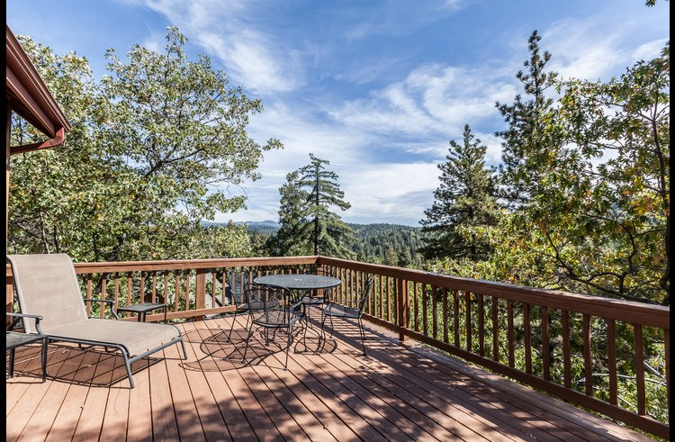 Incredible panoramic views from the deck
