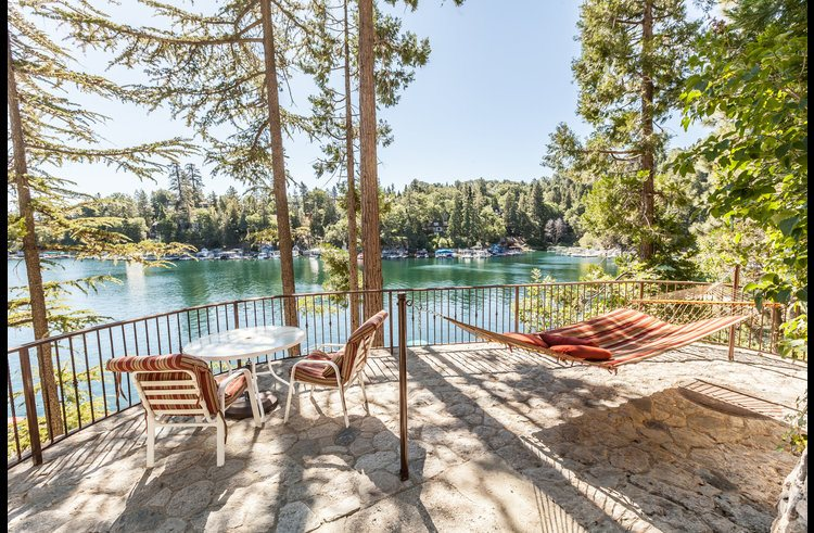 Lakefront Lodge perched on the point of Emerald Bay