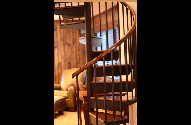 Custom oak railing and treads on staircase