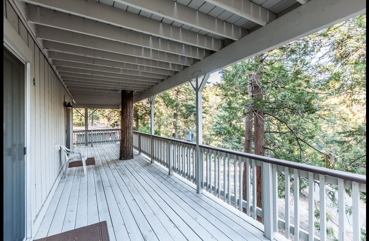 Large deck on lower level