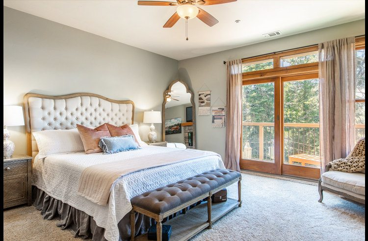 Master suite on upper level with king size bed