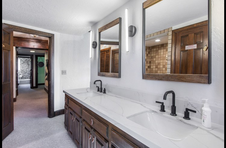 Large bath room