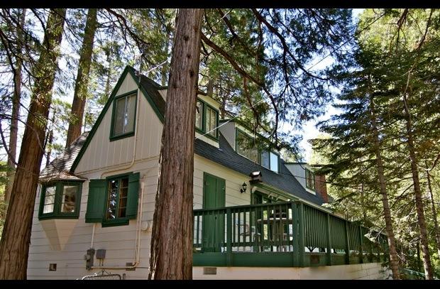 Lake arrowhead vacation rentals home lake arrowhead cabins for Cabins in lake arrowhead ca