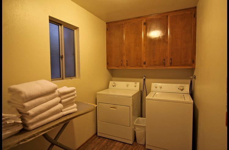 Laundry room on middle level