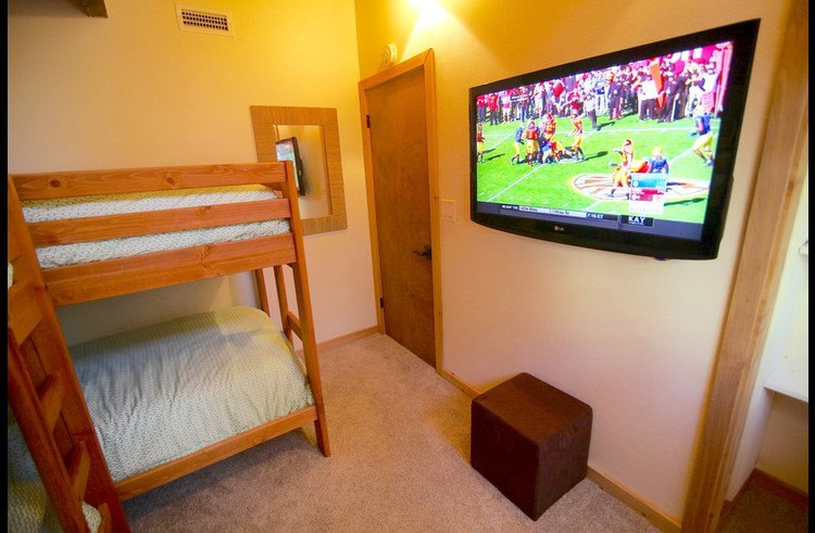 Large flat screen TV in guest room 1