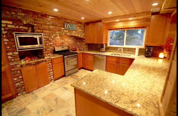 Grass Valley Lodge remodeled kitchen